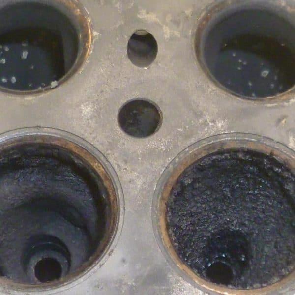 Limpieza por ultrasonidos de piezas de talleres mecánicos