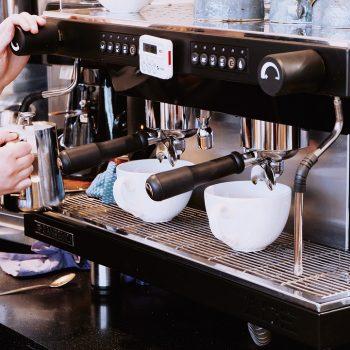 Limpiar máquinas de café con ultrasonidos