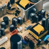 Limpieza por ultrasonidos para equipos eléctricos
