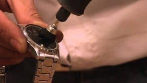 Reparación de relojes y limpieza de piezas