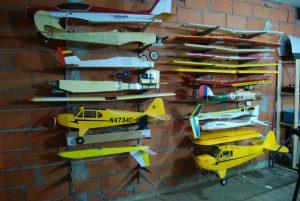 Limpieza de piezas de aeromodelismo 1